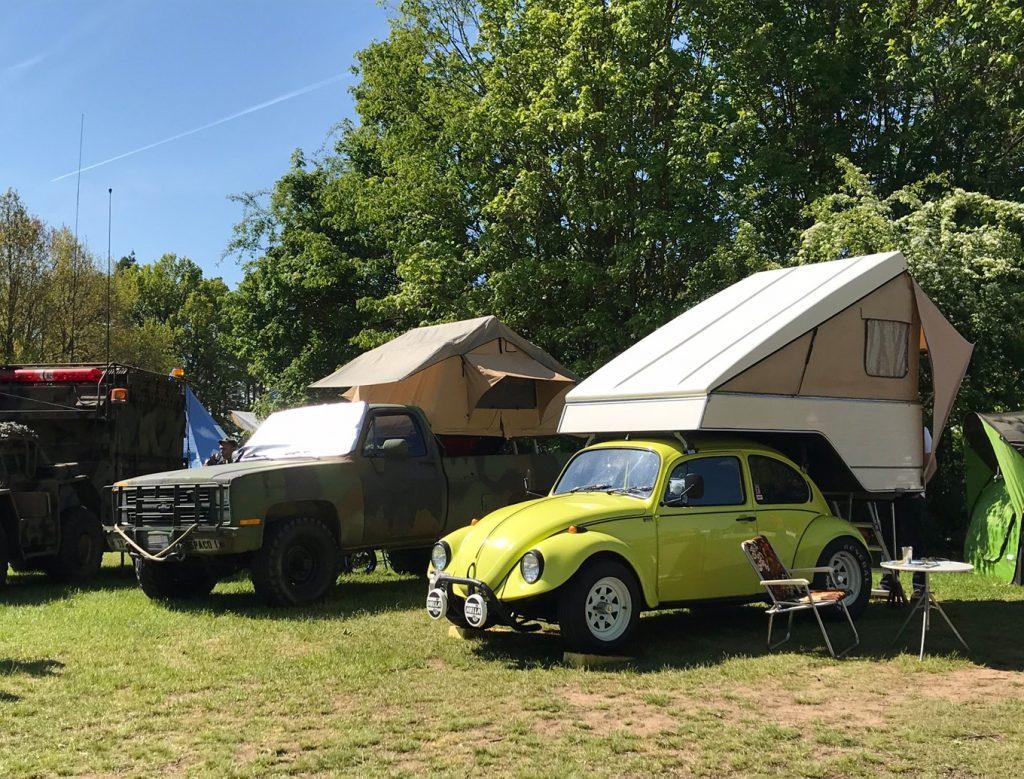 Dachzelte auf Campingplatz